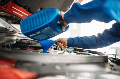 huile moteur pour voiture